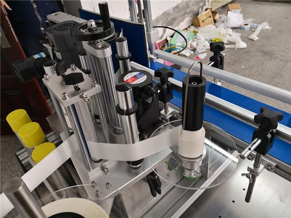 Automatický mechanismus štípání lahví