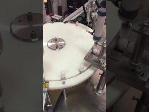 automatické plnění lahví krém a uzavírací stroj